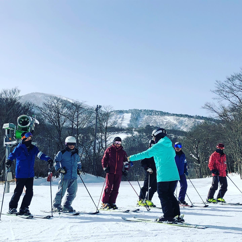 【中高年スキーの日について】⛷2/16 中高年スキーの日⛷は、悪天候が予測されるためお休みとさせていただきます。今シーズンは中高年スキーの日狙ったかのような荒天が続きます。参ったなぁ…#えぼしスキー場 #宮城蔵王プロスキースクール #スキースクール #スキーレッスン #シニアレッスン #中高年 #kidsskiing #キッズスキー #親子スキー #k2skis